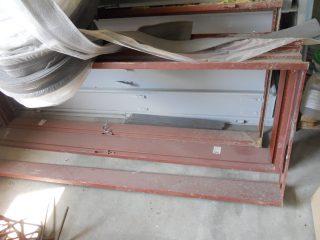 Zárubeň dveřní kovová
